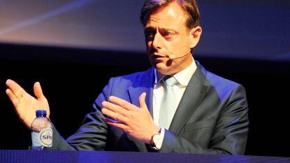 """De Wever bekritiseert energiebeleid Vlaamse én federale regering: """"Heel veel gebakken lucht"""""""