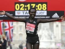 Mary Keitany loopt wereldrecord op marathon