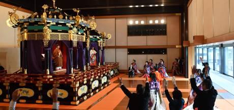 Banzai! Japanse keizer bestijgt de troon in bijzijn van de Oranjes