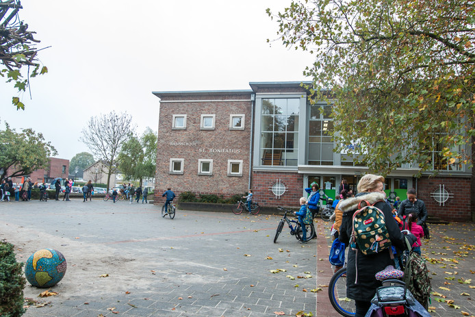 De Bonifatiusschool in Asten gaat volgens het scholenhuisvestingsplan op in de nieuwe school nabij het Varendonck College