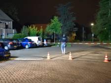 Verwarde man klimt op dak in Vriezenveen: arrestatieteam brengt hem in veiligheid