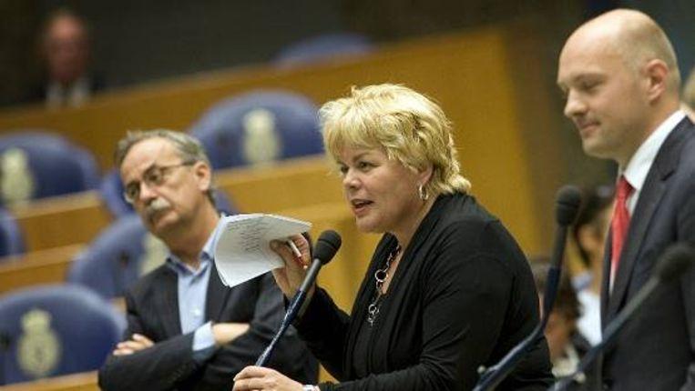 Ineke van Gent (GL) in een debat, geflankeerd door Hugo Polderman (SP, links) en Boris van der Ham (D66, rechts). (ANP) Beeld