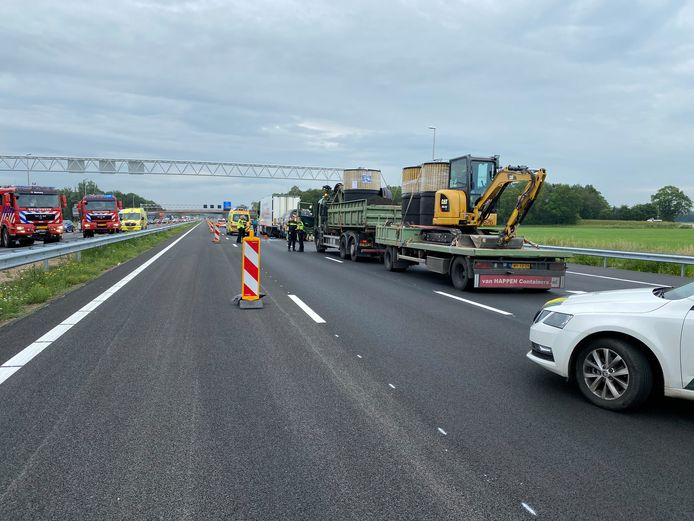 De A1 werd al snel afgesloten bij Holten.