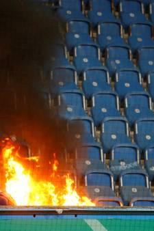 Duel tussen Hansa Rostock en Hertha tijdelijk gestaakt door brand op tribune