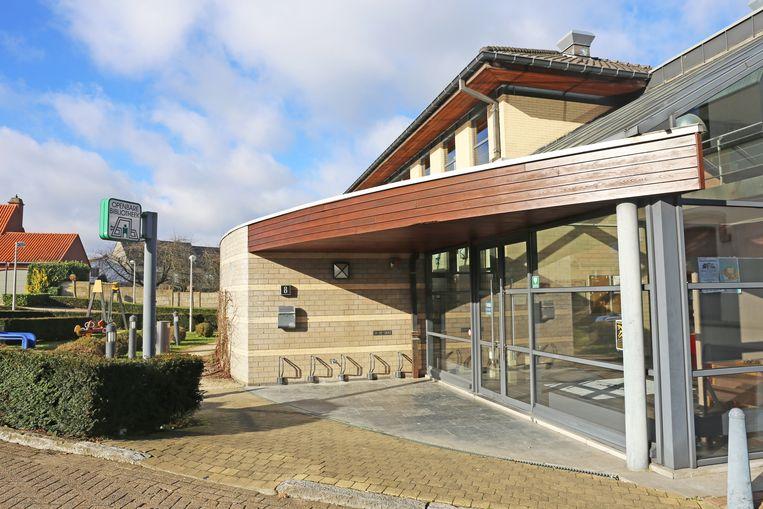 De gemeentelijke bibliotheek in Brussegem sluit de deuren.