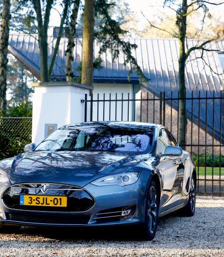 Tesla-pesten: onterecht parkeren bij een laadpaal is nu een ding