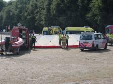 Traumahelikopter geland bij Geffense plas in Oss voor meisje dat omsloeg met luchtbed