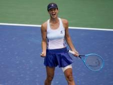 Williams treft in kwartfinale met Pironkova een collega-tennismoeder: 'Ik speel nu zonder druk'