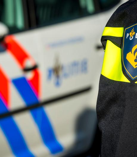 Man uit Almelo dumpt bankstel in Denekamp en moet 389 euro dokken