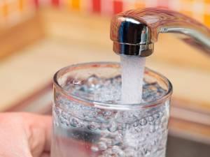 """Il ne faut """"jamais boire la première eau"""" du robinet le matin"""