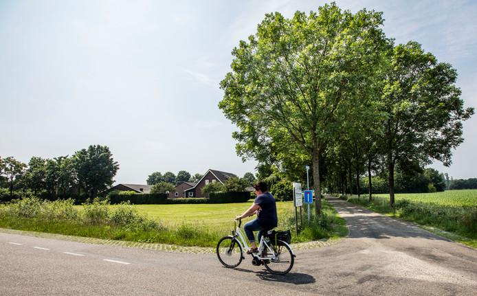 De plek aan het Muizenhol in Bakel waar de familie Knoops nieuwe geitenstallen wil bouwen.