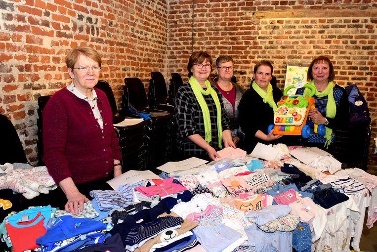 De dames van de KVLV organiseerden voor de eerste keer een tweedehandsbeurs