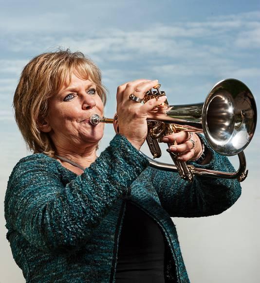 Anjo van Tilborgh van de Stichting Cultuur Moerdijk maakt zelf ook muziek.