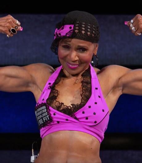 Deze bodybuildoma (81) strijdt al zestig jaar met succes tegen 'kipfiletjes'