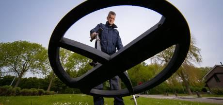 Doordeweeks is Riekelt brandweerman, in het weekend zoekt hij naar metaal
