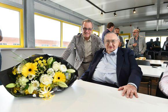 Oud-voorzitter Roger Lambrecht werd in de bloemetjes gezet door zijn opvolger.