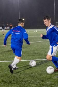 'Grote' Betuwse voetbalclubs haken af, juist kleintjes modderen door