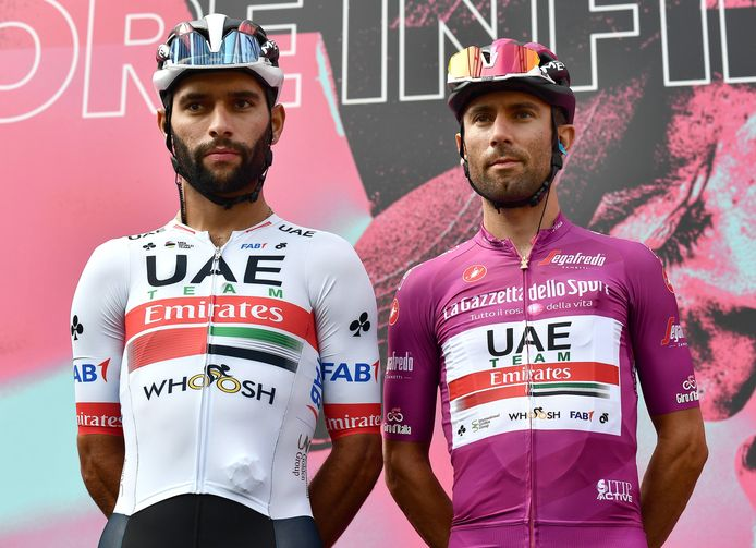 Fernando Gaviria (links) en zijn Italiaanse teamgenoot Diego Ulissi, die de tweede en dertiende etappe won.
