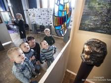 Werk van 11 kunstenaars 'uitgelicht' in expositie in Nijverdal