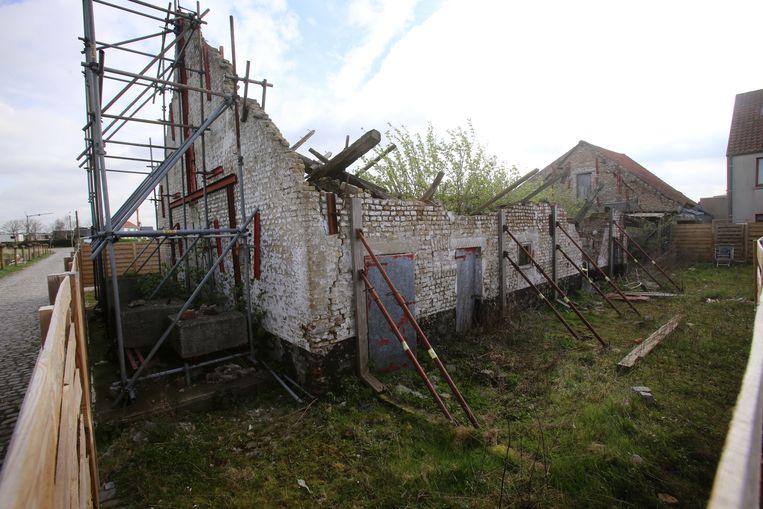 De ingestorte vleugel van de kinderboerderij wordt hersteld.