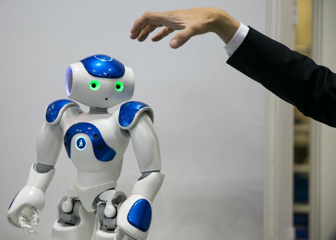 De huidige robots zijn nog niet zo slim als wij.