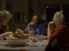 Vrouwen verbaasd tijdens het pastadiner: boer Jan slikt wel eens 'een pilletje'