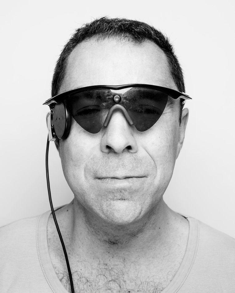 Jeroen Perk met zijn camerabril. Beeld No Candy