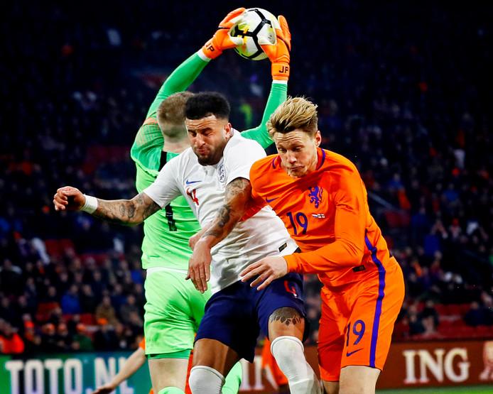 Wout Weghorst in actie bij zijn debuut tegen Engeland op 23 maart 2018 (0-1 nederlaag).
