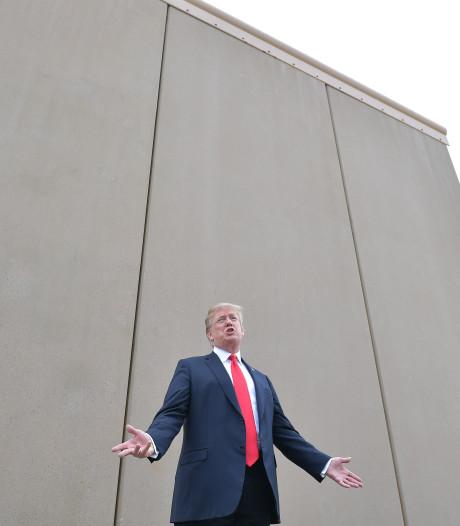 Trump mag geen defensiegeld gebruiken voor muur Mexico