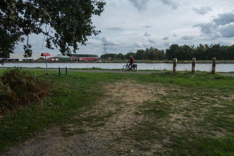 Het gemeentebestuur van Zandhoven dient een bezwaarschrift in tegen de (mogelijke) komst van een extra brug over het Albertkanaal.