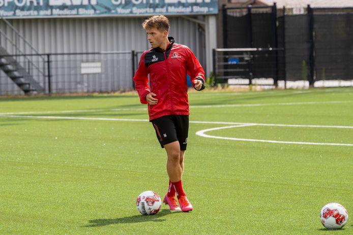 Dean van der Sluijs dook maandag op bij Helmond Sport.