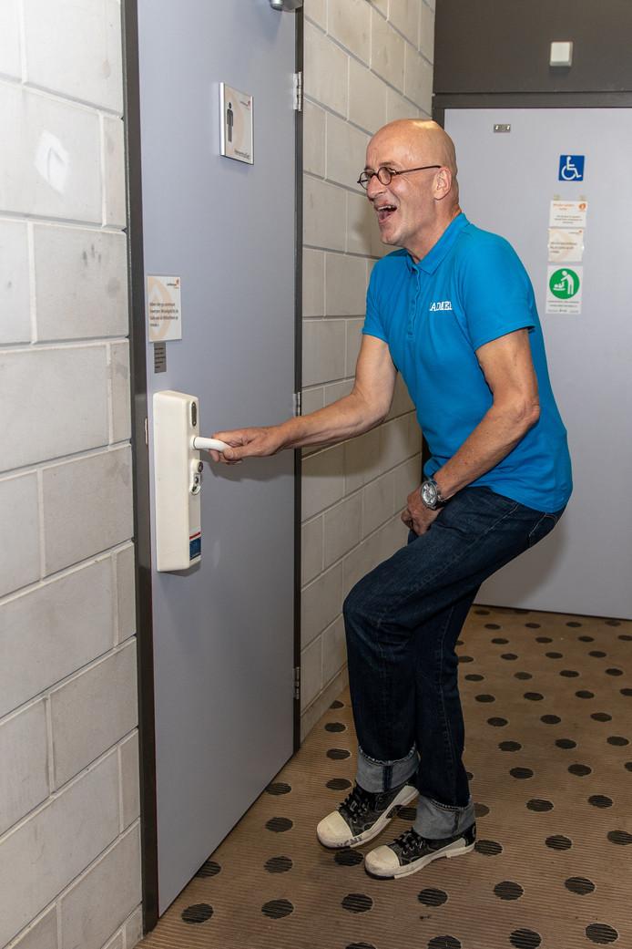 Je zult maar hoge nood hebben en je kunt niet direct naar het toilet....