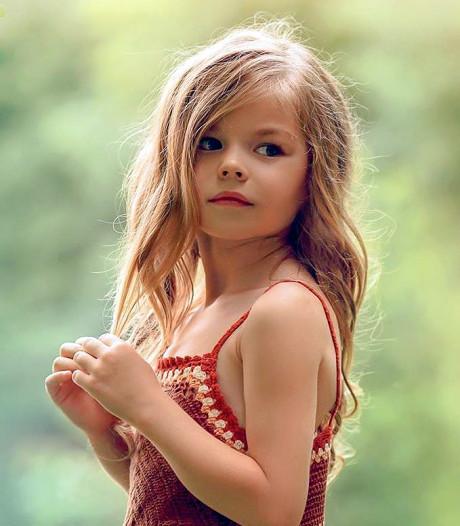 Dit meisje (6) wordt het 'mooiste kind ter wereld' genoemd: 'Ik ben sprakeloos'