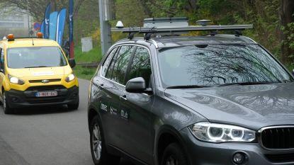 """Nieuwe testsite aan E313 leert auto's met elkaar 'praten': """"Als ene wagen noodstop maakt, krijgt andere meteen waarschuwing"""""""