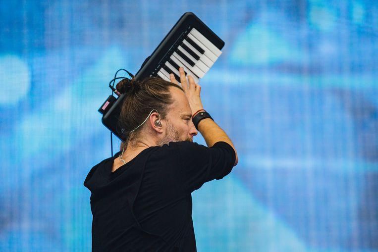 Thom Yorke van Radiohead treedt op in Manchester.  Beeld Andrew Benge / Getty