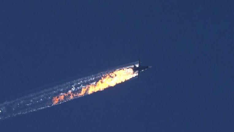 Het neerstortende Russische gevechtsvliegtuig. Beeld epa