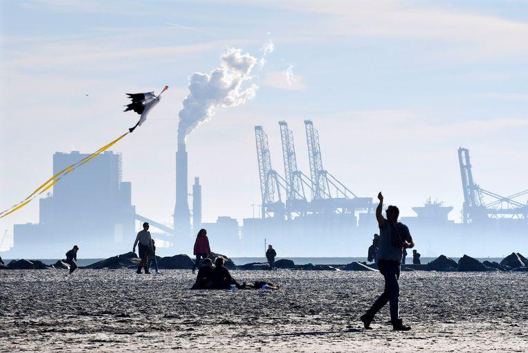 Een kolencentrale bij Hoek van Holland.