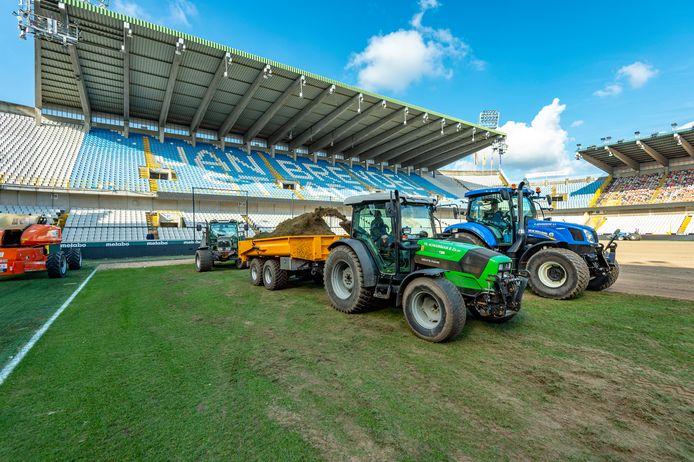 Club Brugge legde eerder deze maand een nieuwe grasmat.