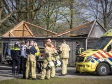 Man valt van schuur op schoolplein in Oldenzaal