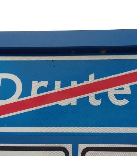 Welzijn Druten gaat hard campagne voeren tegen fusie Druten-Wijchen na aanbieden petitie voor referendum