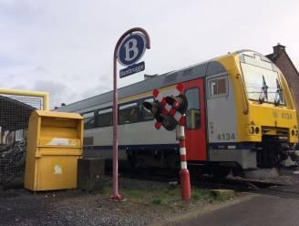 Politici mengen zich in aanpassing dienstregeling scholierentreintje: twee parlementaire vragen over vervroegen treinrit met 7 minuten