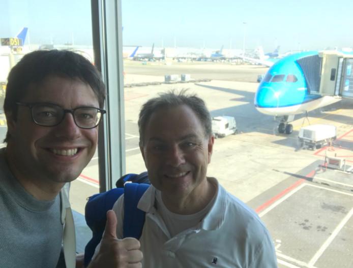 De selfie van de wethouder op de luchthaven.