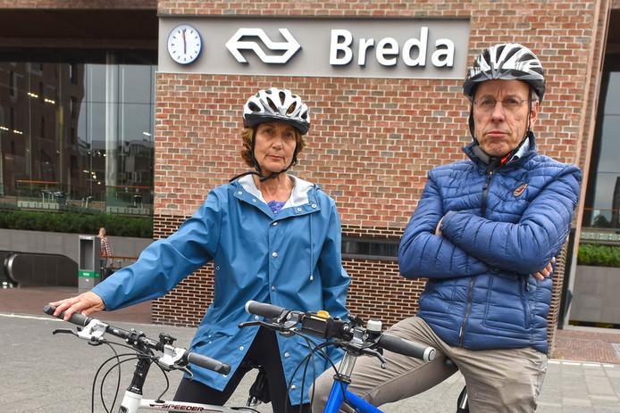 Jaap Mendel en zijn vrouw Susan zijn nog altijd behoorlijk chagrijnig als ze terugdenken aan hun treinrit en de manier waarop de NS met hen is omgegaan.