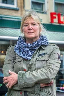 Marlies Filbri (51) kon het niet meer aanzien: Binnen lagen dekens voor Syrië, buiten sliepen daklozen onder kartonnen dozen