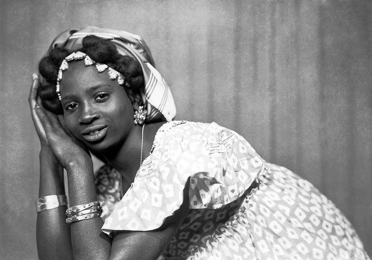 Dakar, ca. 1950-1960. Beeld Mama Casset, Studio African Photo / courtesy Revue Noire