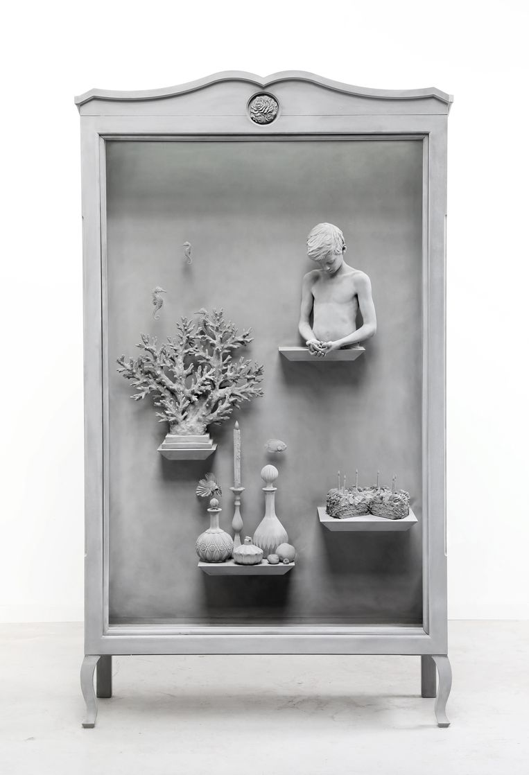 Prijsklasse 75.000 - 100.000 euro: Hans Op de Beeck, Wunderkammer 10. Hout glas, staal, polyamide coating, mixed media. 216,5 x 120 x 41 cm. Galerie Ron Mandos, Amsterdam. Beeld Galerie Ron Mandos