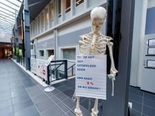 Operaties afgezegd in ziekenhuizen MST en SKB, ludieke acties op stakingsdag