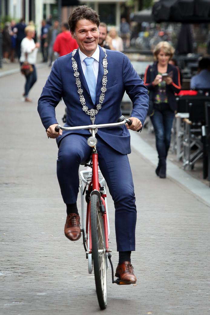 Burgemeester Paul Depla op de fiets