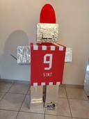 Onze Robo-Sint surprise in PSV-kleuren en met opbergvakjes.