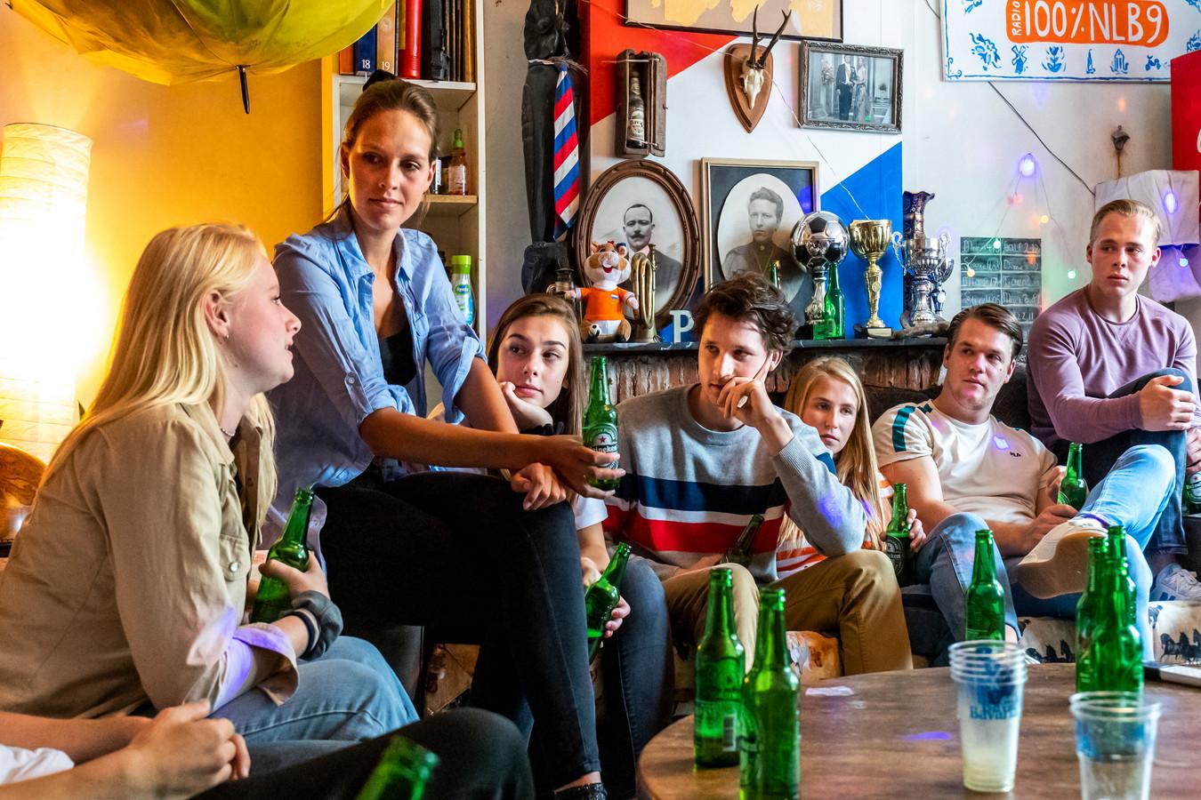 Bij vereniging USR Unitas slapen ieder jaar tijdens de Utrechtse introductieweek zo'n veertien studenten in één huis. Dat gaat dit jaar niet door.